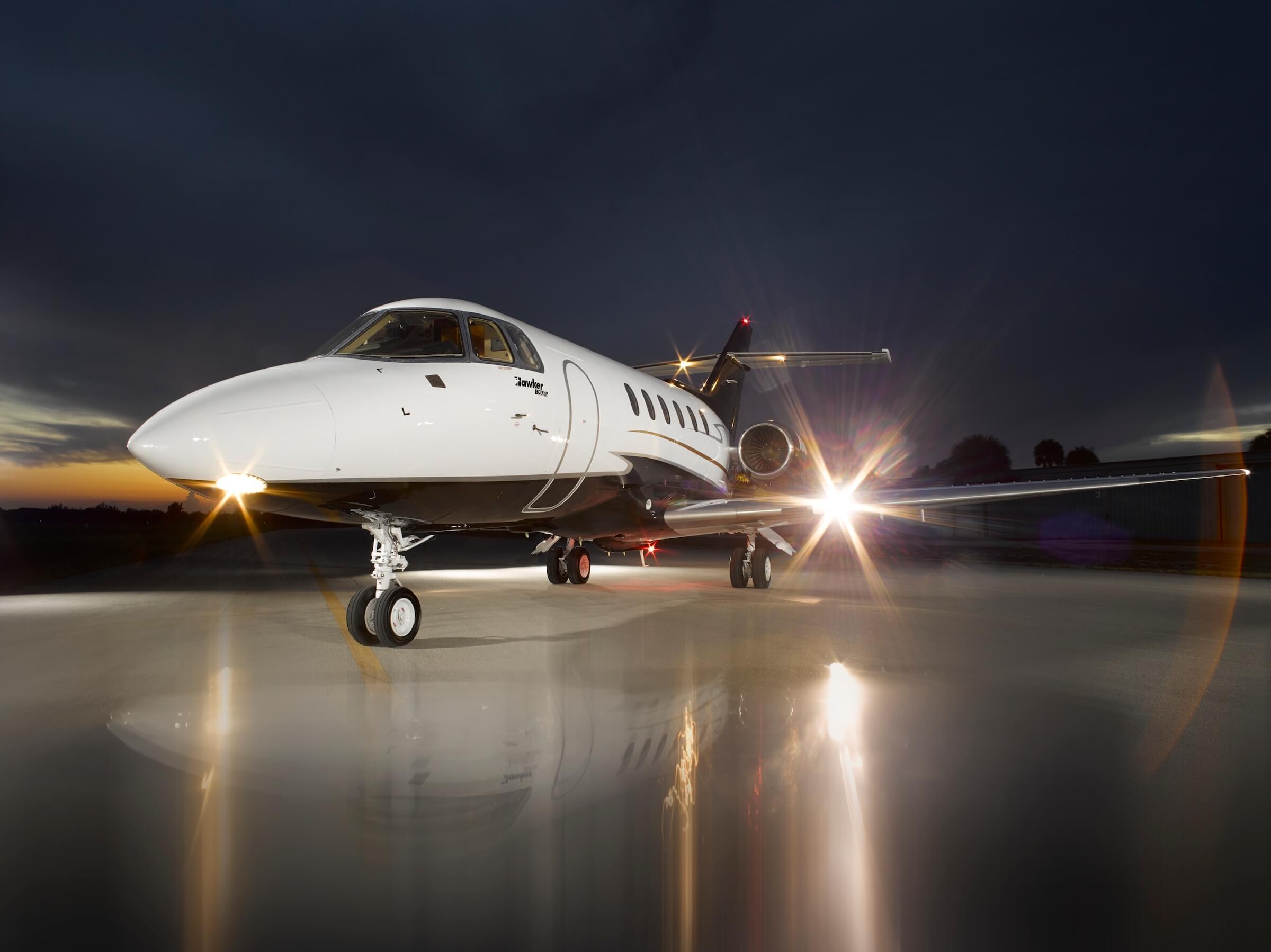 Mid-size jet