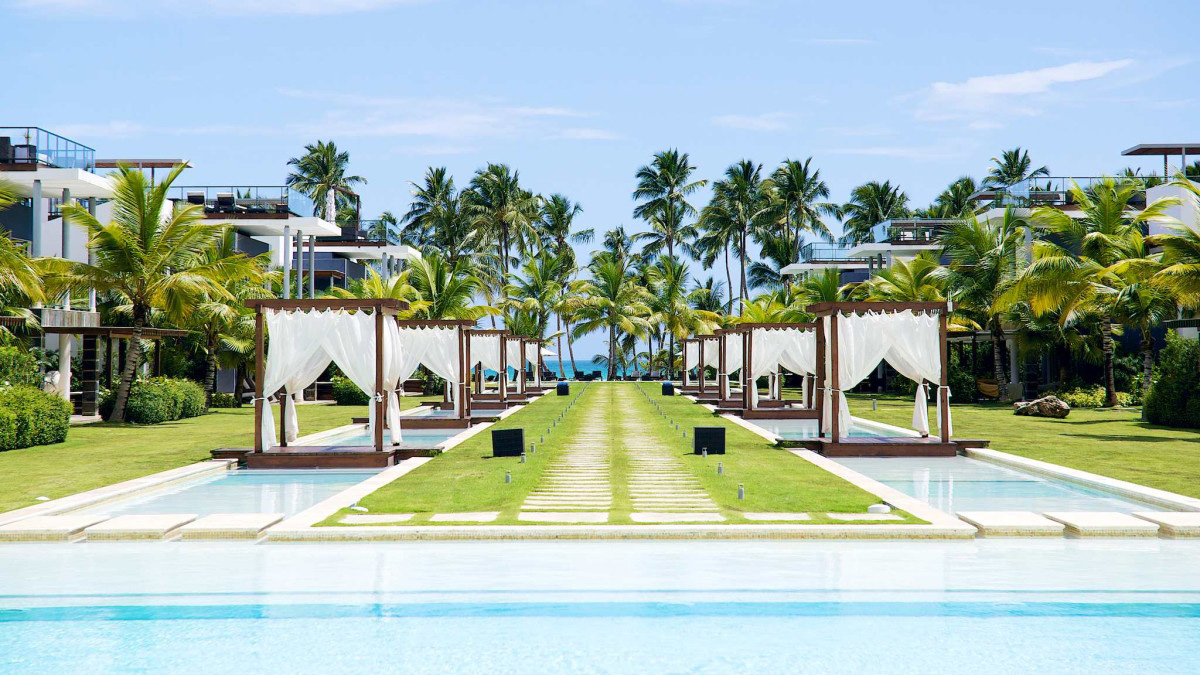 Luxury Caribbean Travel to DR