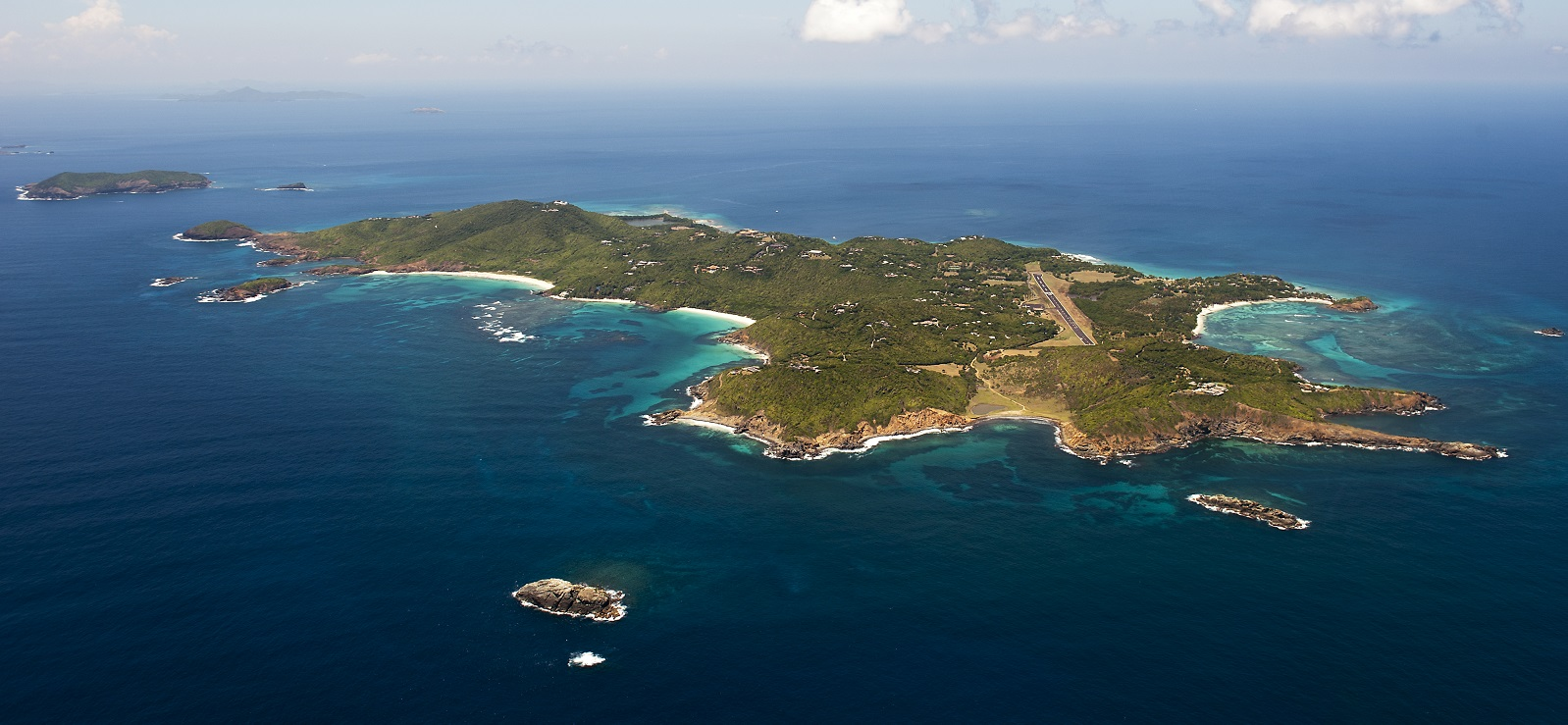 Private Aircraft Charter to Mustique